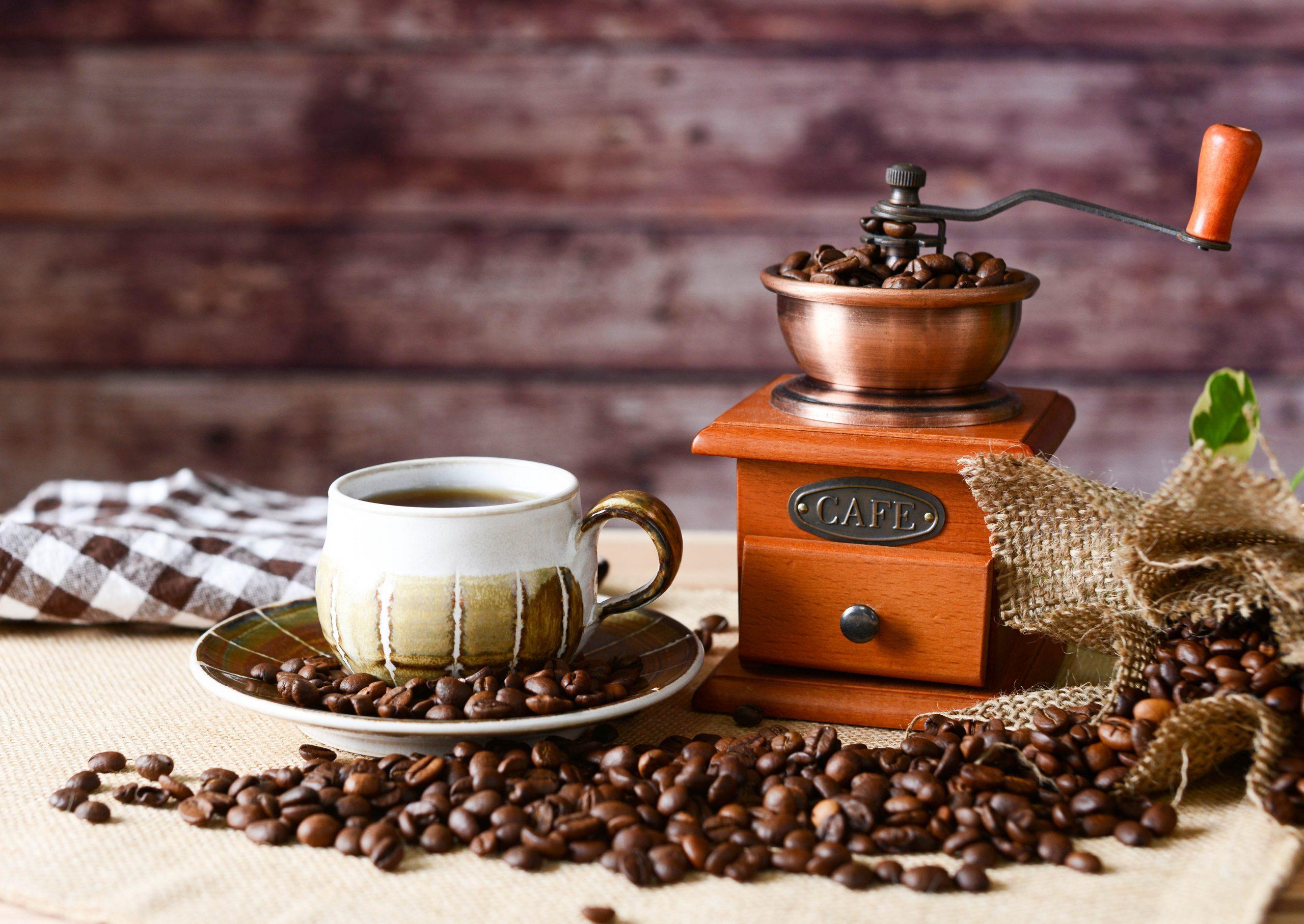 父の日にお父さんやお義父さんに贈るおすすめのプレゼント選びのポイントはコーヒーや紅茶・日本茶などお酒以外の飲み物が好きなお父さんにはドリンクのプレゼントを選ぶことです。